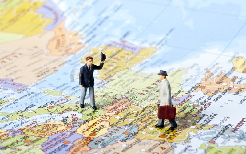 """""""Cross-border commuter"""" – asmuo, dirbantis ir gyvenantis skirtingose šalyse"""